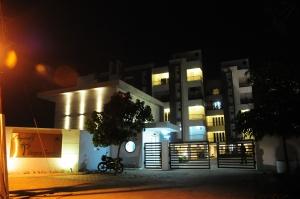 29-palmera-entrance