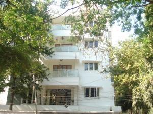 38-gandhinagar-iv-main-road